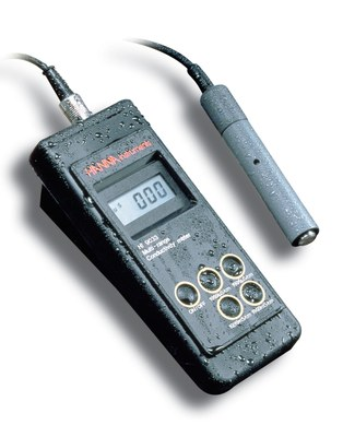 HI 9033 / 9034 , Waterproof, Multi-range EC and TDS Meters with ATC